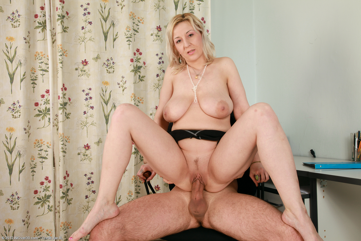 Free Mature Pictures Collection, Nude Moms Pictures, Hot Milf Sex Pics