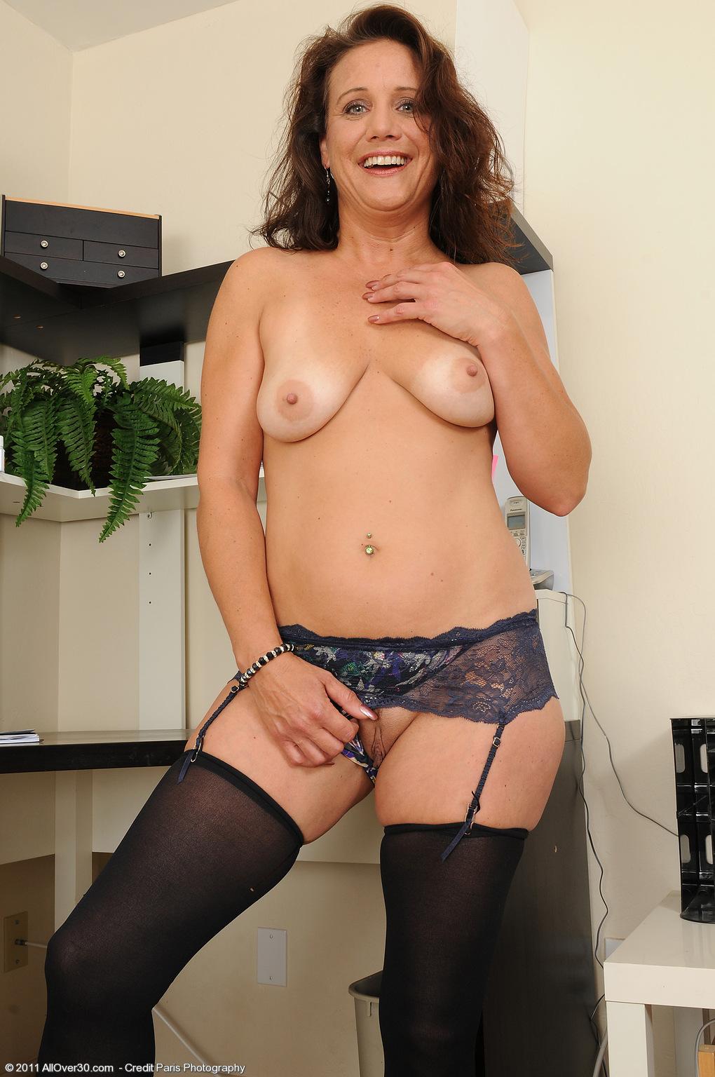 Free mature women in stockings