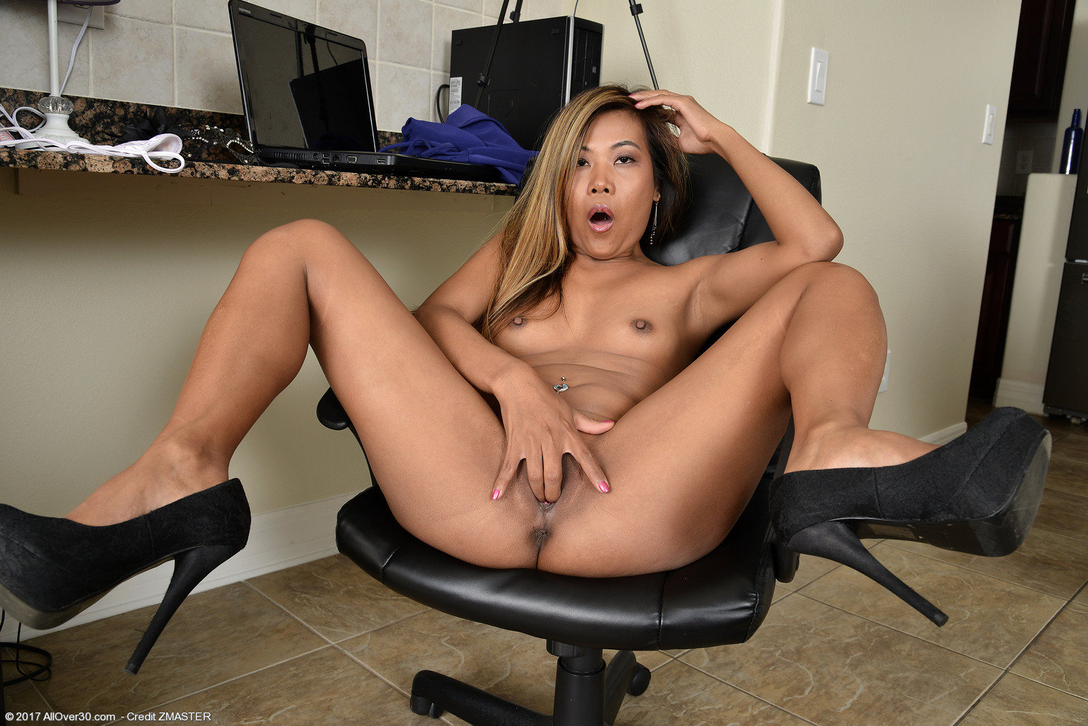 18 years old chanel rae gets fucked 10