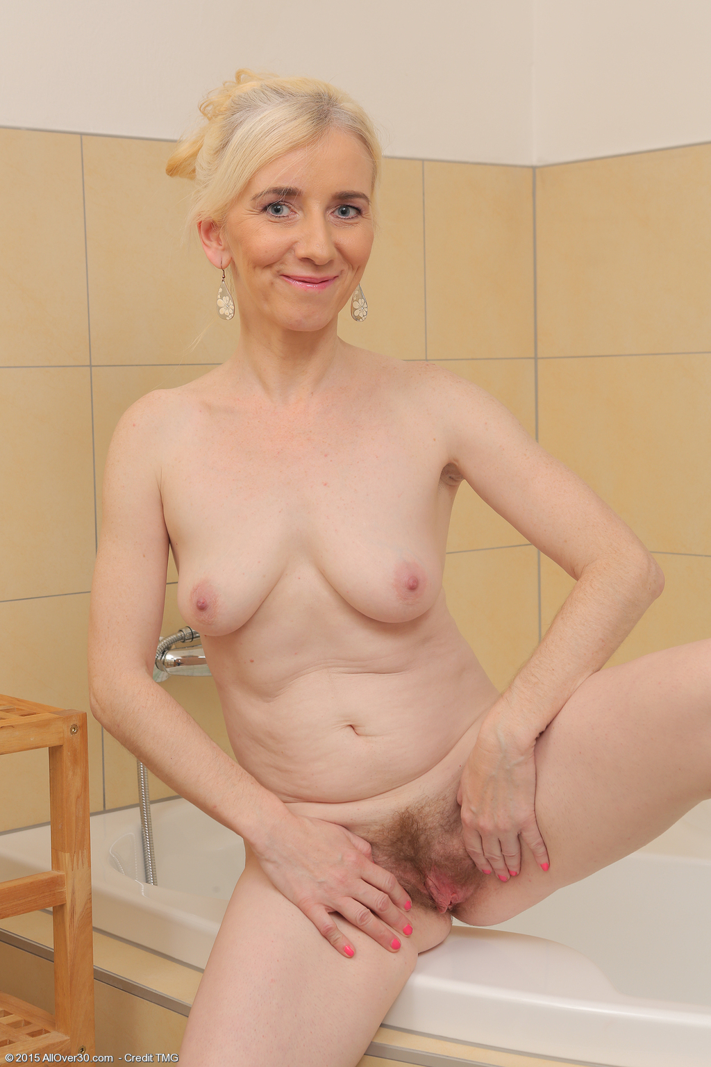 image Mature blonde jan introduce linda to bbc