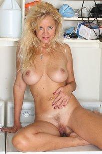 Milf Heidi