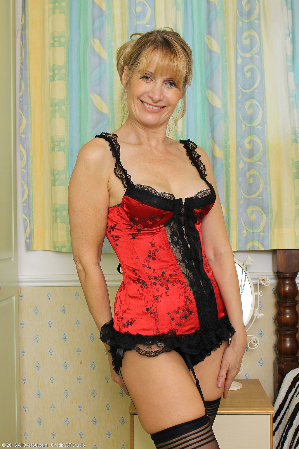 Mature Nude Jane 61