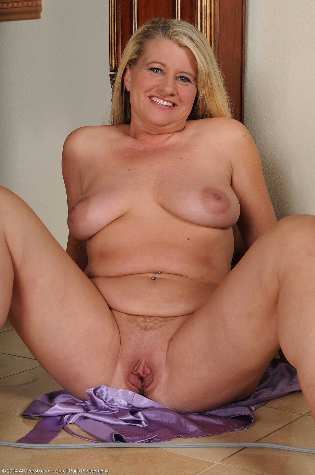 46 Year Old Mona Hawght - Exclusive Milf Pictures From -1574