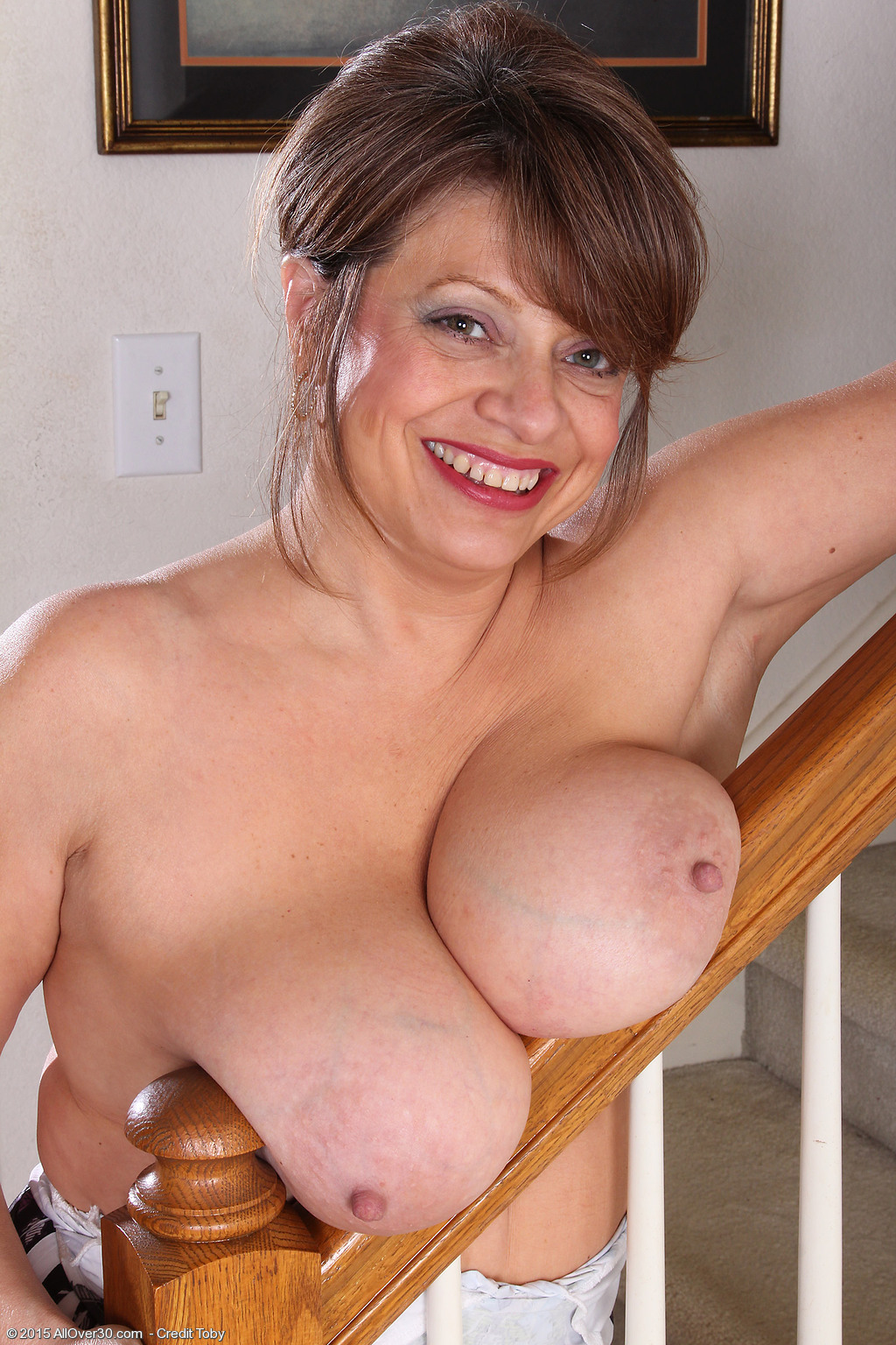 Milf thing 30 year old isn039t too old to get that cock