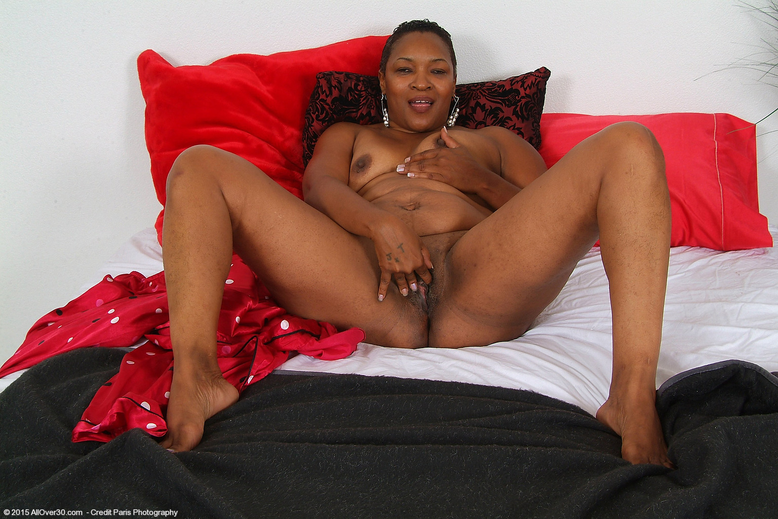 51 Year Old Portia - Exclusive MILF Pictures from AllOver30.com