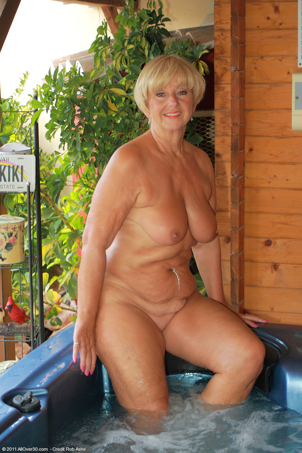 62 year old samantha t - exclusive milf pictures from allover30