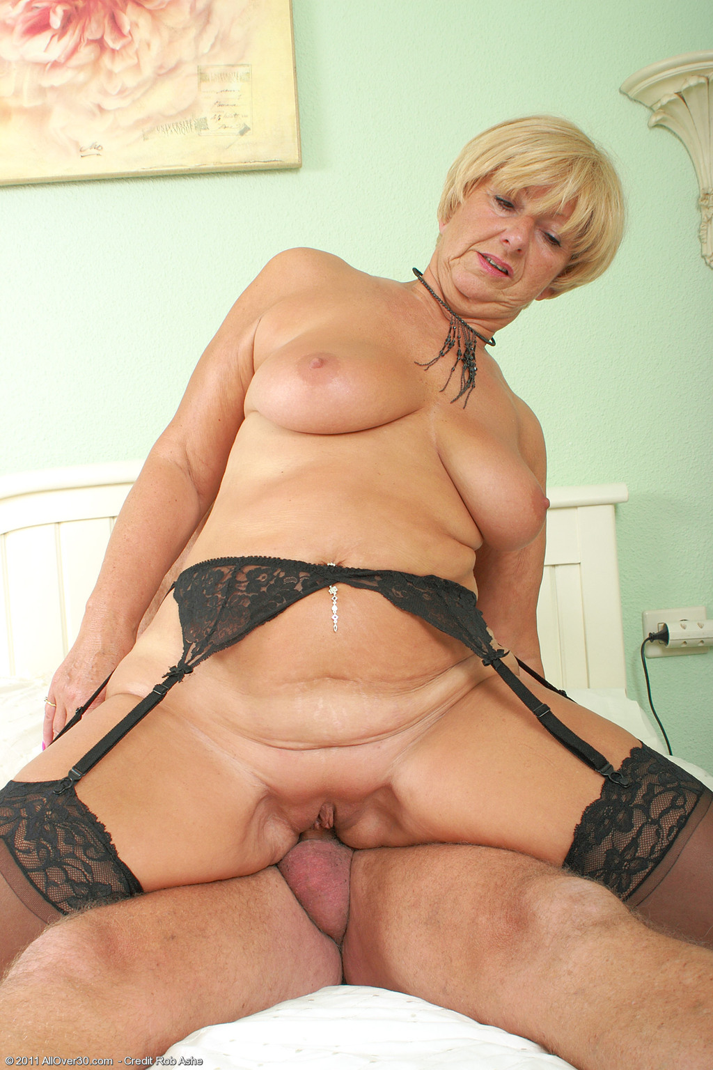 62 Year Old Samantha T - Exclusive Milf Pictures From -9010