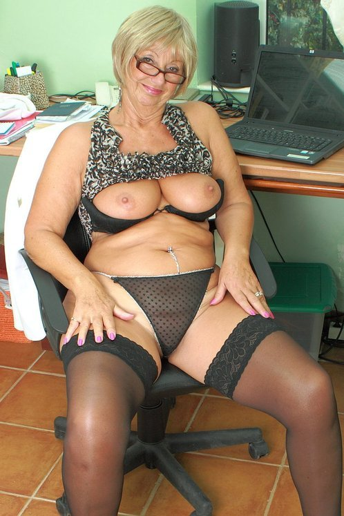 62 Year Old Samantha T - Exclusive Milf Pictures From -9557