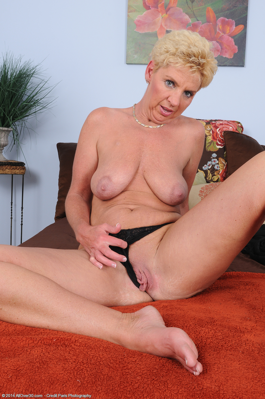 47 Year Old Taylor Lynn - Exclusive Milf Pictures From -7725