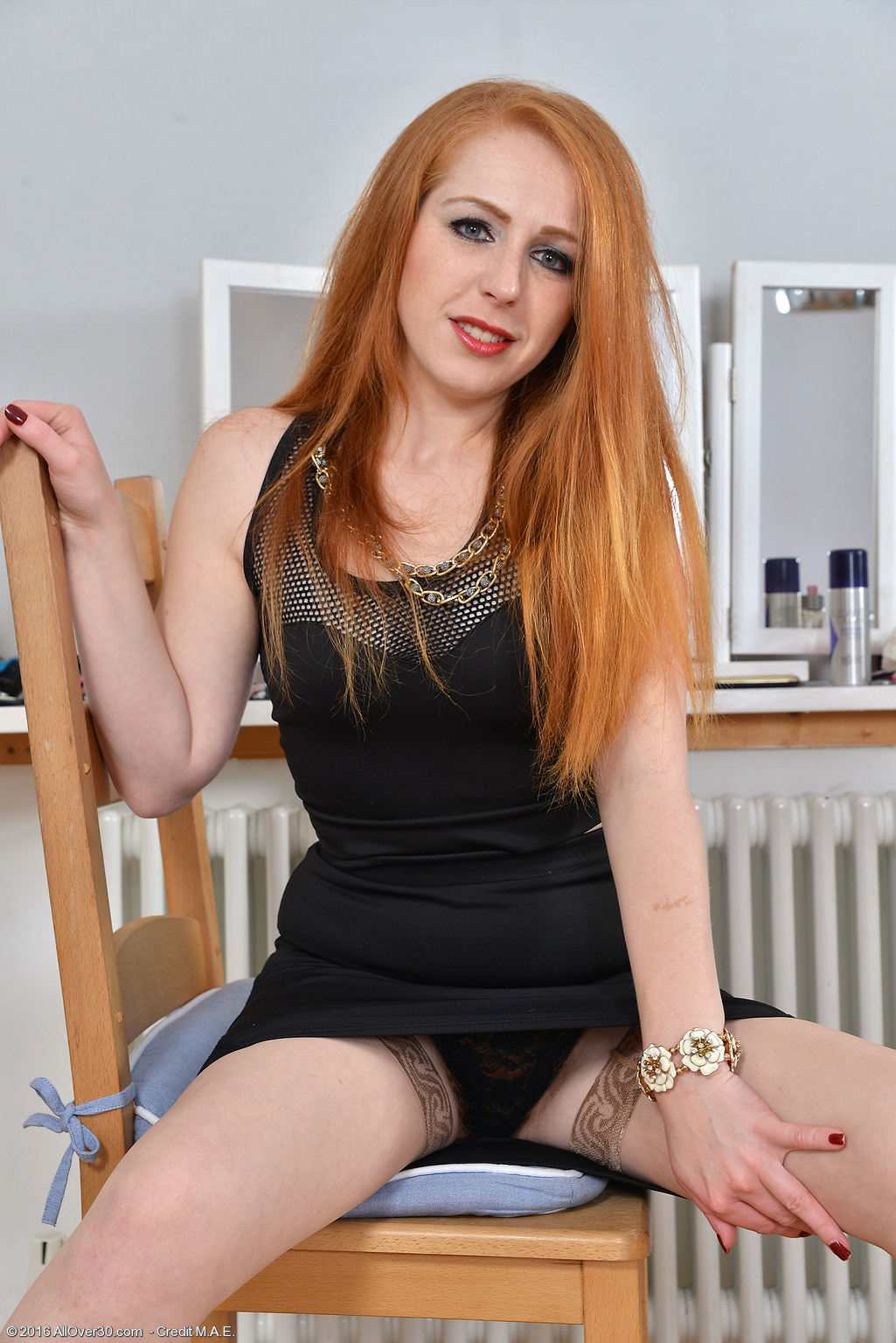 Nika mc nudes red shoes