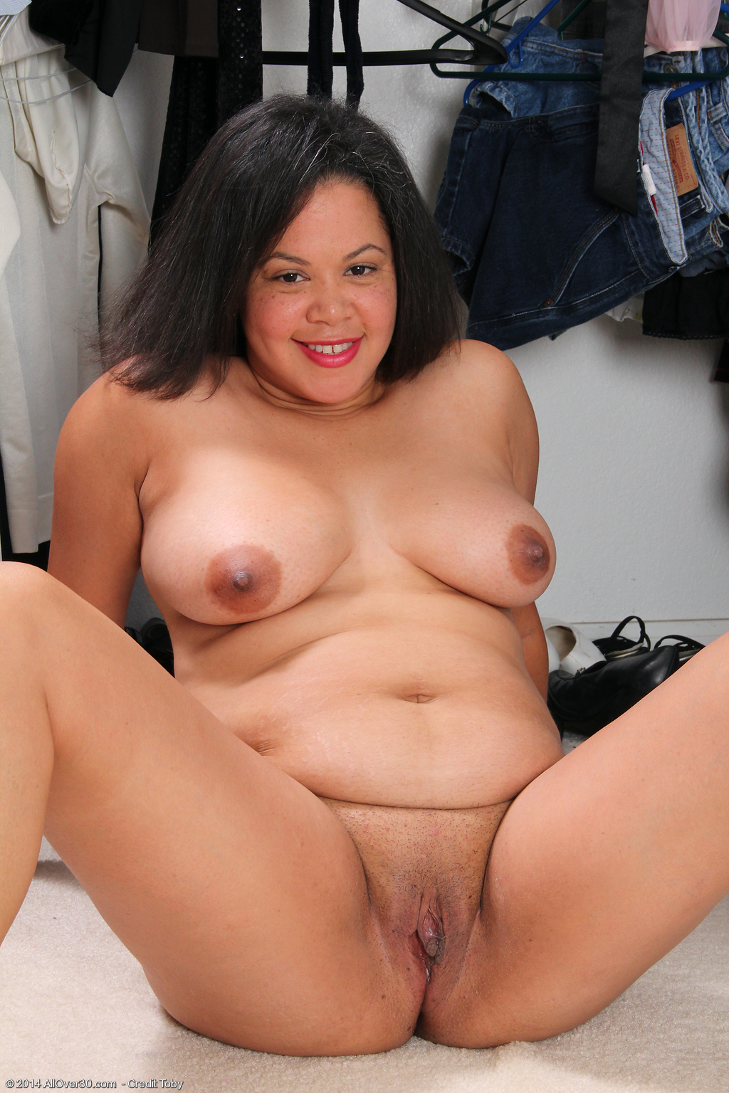 ... Year Old Valerie Wilson - Exclusive MILF Pictures from AllOver30.com